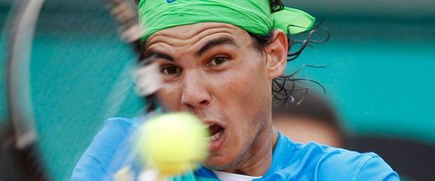 Nadal rahat geçti Safina elendi