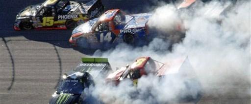 NASCAR'da Gordon yerini korudu