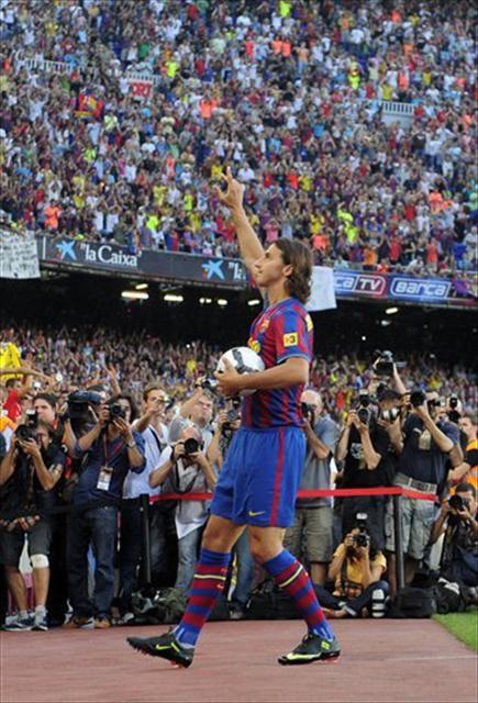 Nou Camp'ta Ibrahimovic'e sevgi seli