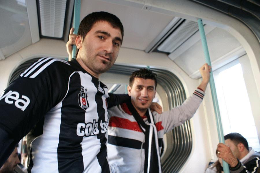 Cem Durak, İnönü Stadı'ndan canlı bildiriyor