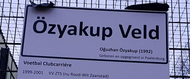 oguzhan-ozyakupun-ismi-hollandada-bir-futbol-sahasina-verildi_4014_dhaphoto2.jpg