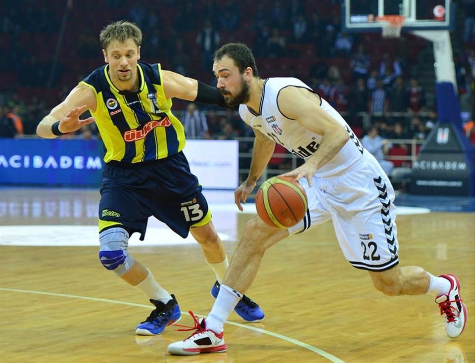 Pota derbisi Fenerbahçe Ülker'in