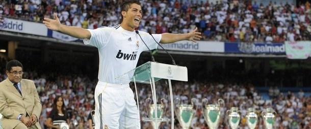 Ronaldo'ya her yerde hakaret
