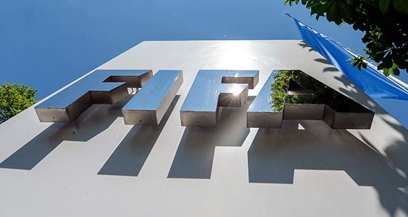 27 Mayıs'ta ABD'de açılan yolsuzluk davasının ardından FIFA'nın İsviçre'deki merkezine operasyon düzenlendi.