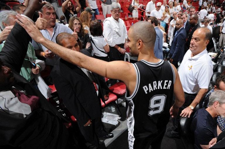SA Spurs verdiğini geri aldı