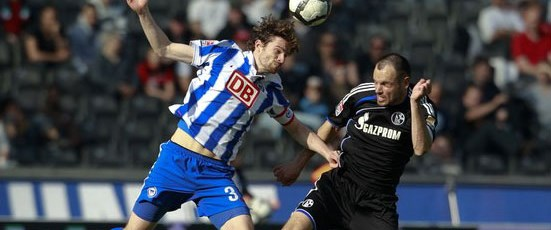 Schalke Bayern'i yakaladı