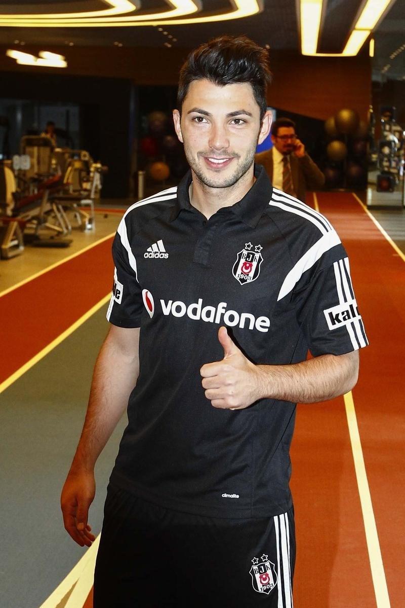 Tolgay Arslan, Beşiktaş'ta 18 numaralı formayı giyeceğinisöyledi.