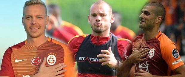 sneijder sigthorsson eren derdiyok.jpg
