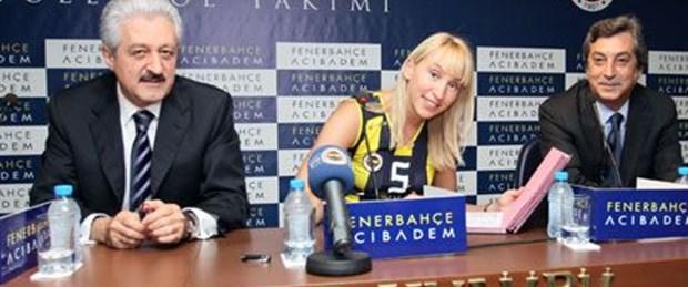 Sokolova imzayı attı