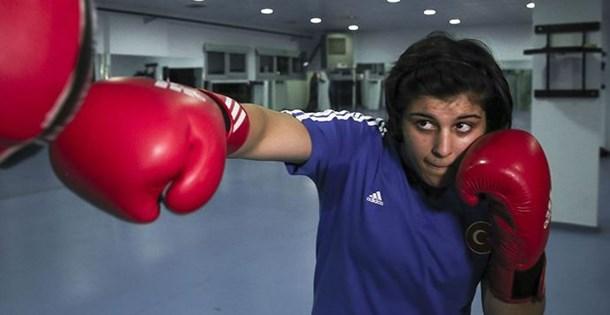 SON DAKİKA: Milli boksör Busenaz dünya şampiyonu oldu