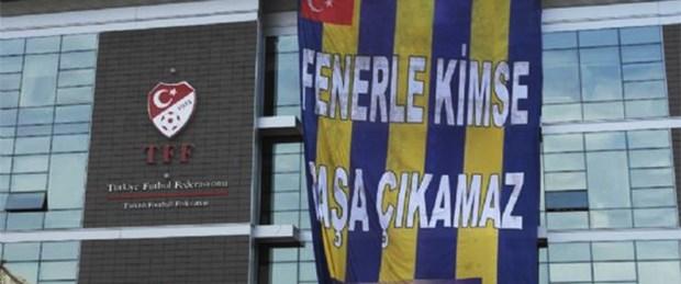TFF binasına Fenerbahçe bayrağı