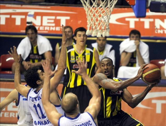 Türk Telekom: 81 - Fenerbahçe Ülker: 86