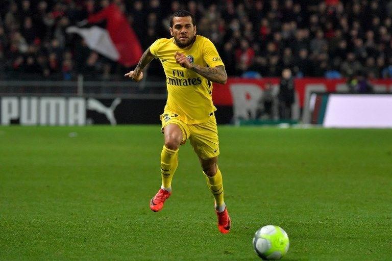 Dani Alves (Juventus / Paris Saint-Germain)