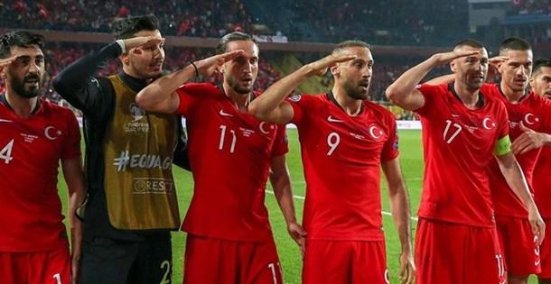 UEFA'dan Millilerin asker selamına inceleme