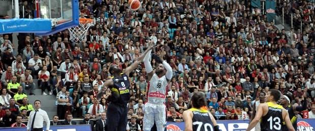 basketbol uşak fenerbahçe.jpg