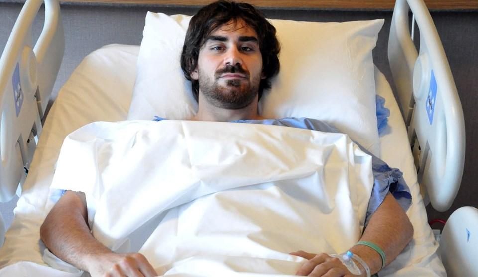 Veli Kavlak, 9 ayda iki kere omzundan ameliyat geçirdi.