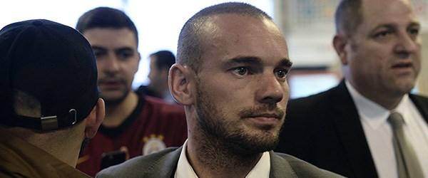 wesley sneijder ceza.jpg