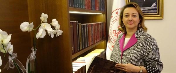 Kültür ve Turizm Bakan Yardımcısı Özgül Özkan Yavuz: Zümrüt Apartmanı kitabının toplatılması kararı çıkmasını bekliyorum