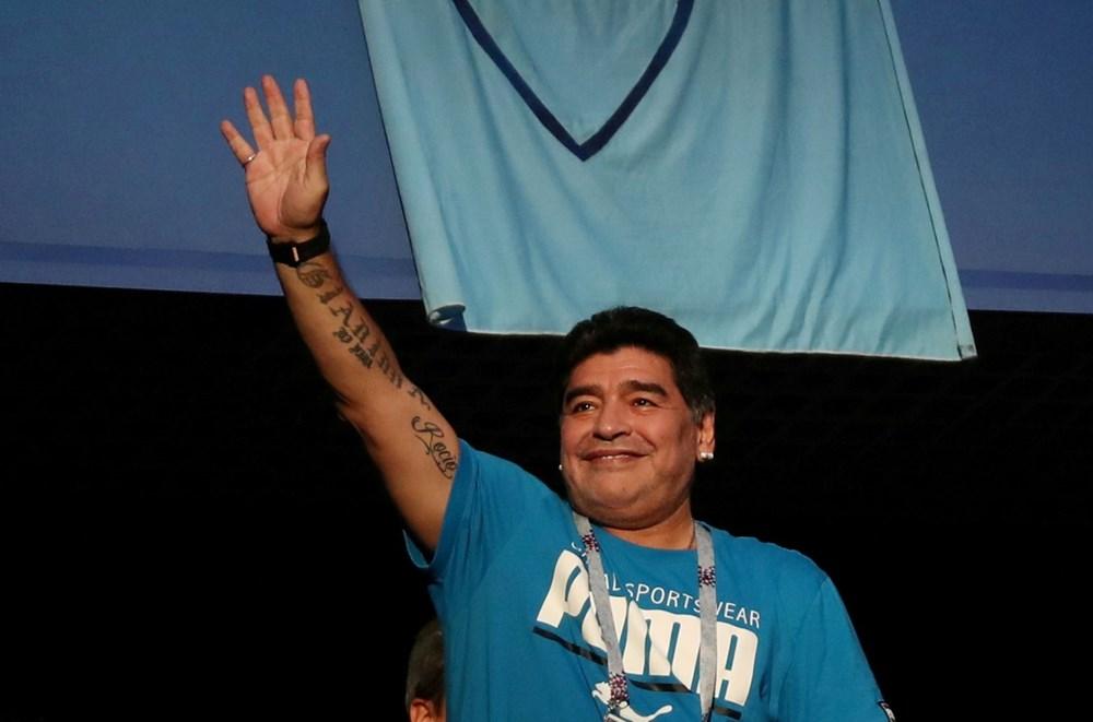 Futbol dünyasından Armando Maradona geçti - 10