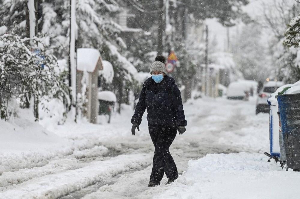 12 yıllık özlemin ardından Atina'da heyecan yaratan kar Girit ve Eğriboz'da iki can aldı - 7
