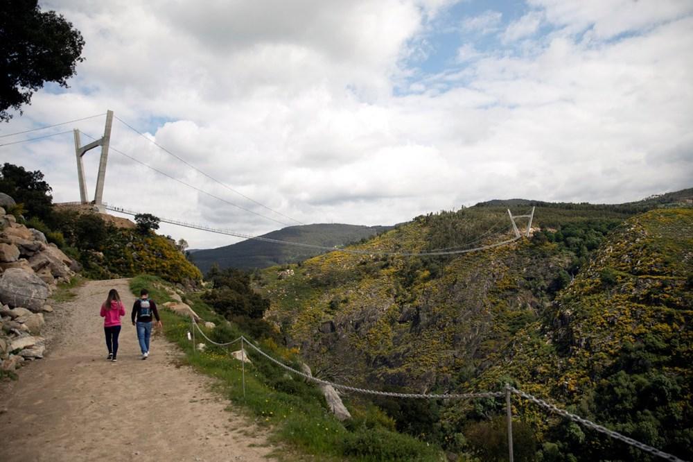 Yayalara özel en uzun asma köprü açıldı - 14