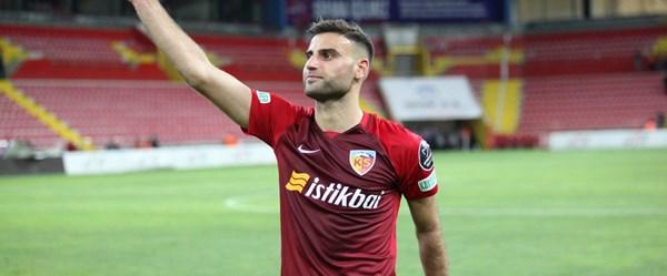 Fenerbahçe Deniz Türüç transferini açıkladı