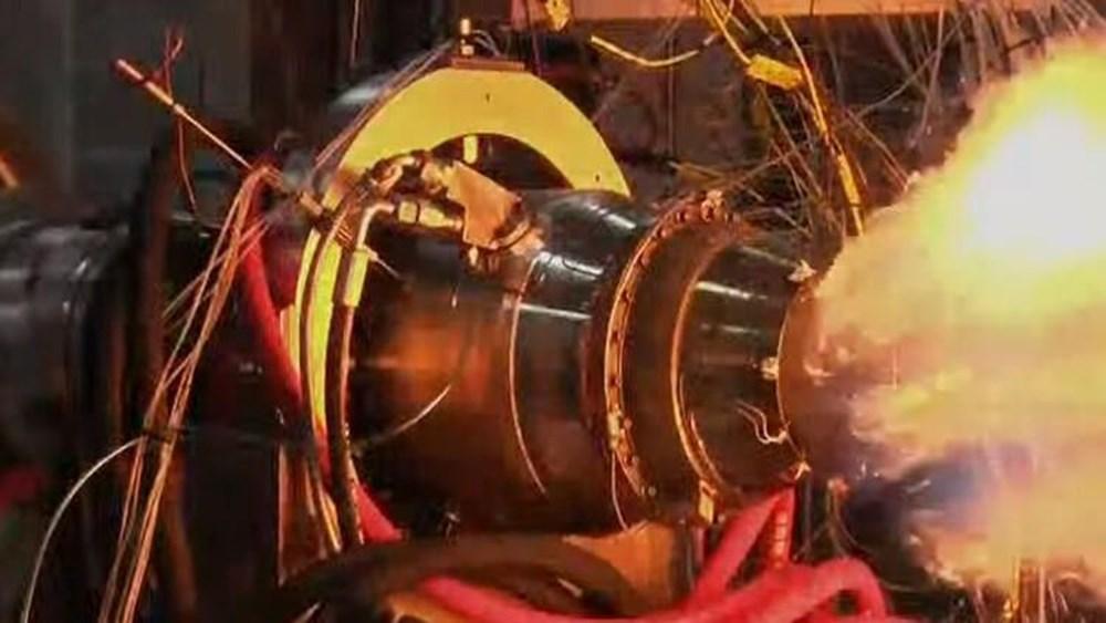 Yerli füzenin motoru test edildi (Türkiye'nin yeni nesil silahları) - 1