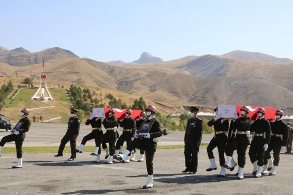 Şehit askerler için tören - 11