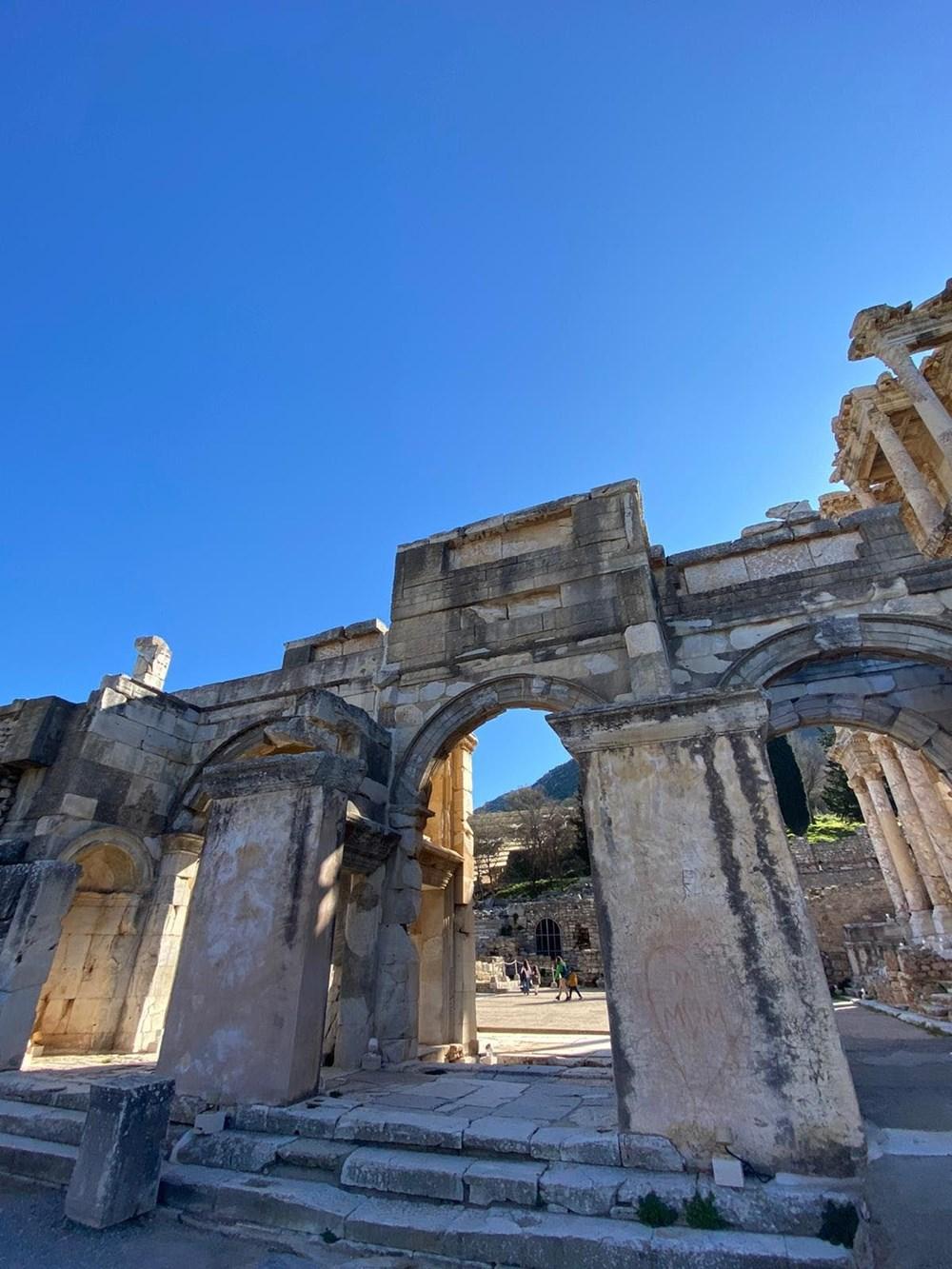 Efes Antik Kenti, pandemi döneminde de güvenli turizmin adresi oldu - 21