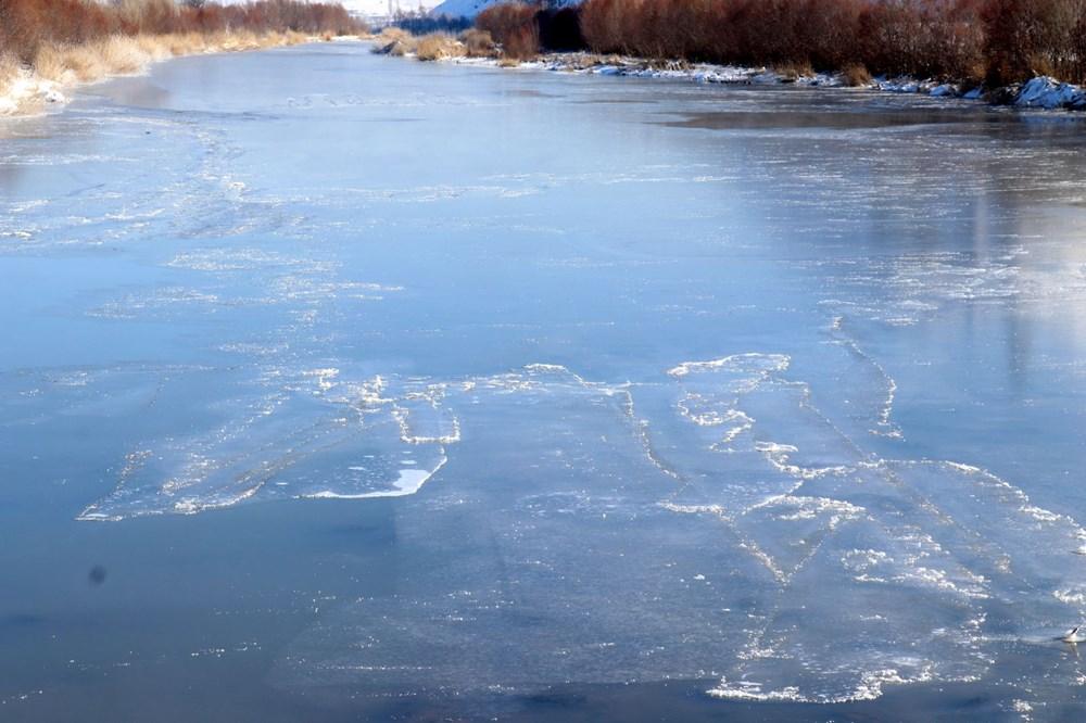 Türkiye'nin en soğuk yeri Sivas Altınyayla oldu, Kızılırmak kısmen buz tuttu - 15