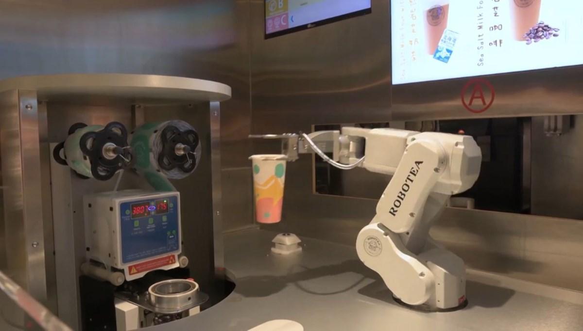 Çaycı robotlar iş başında