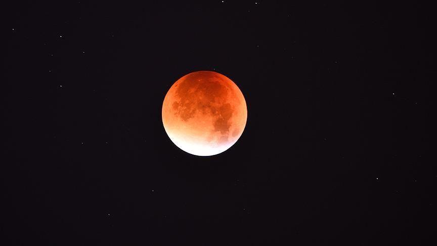 36 yıl sonra ilk kez 'Mavi Süper Kanlı Ay'