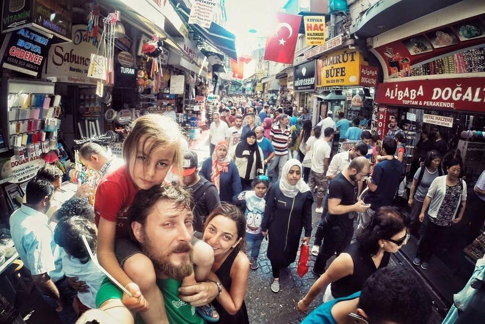 İSTANBUL'A DA GELMİŞLERDİ