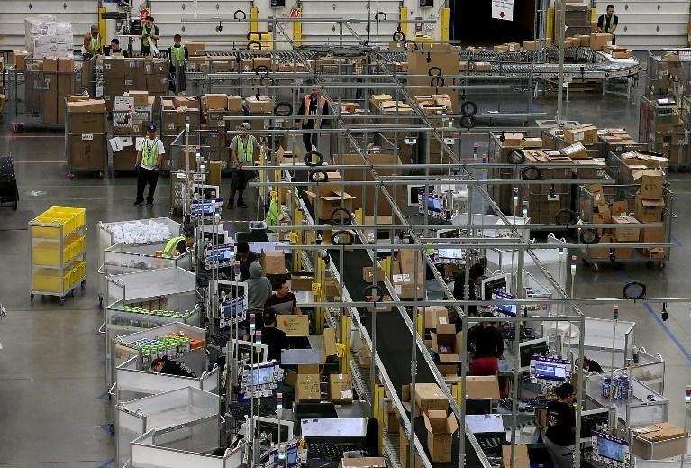 ABD'li alışveriş sitesi Amazon'un bir deposu.