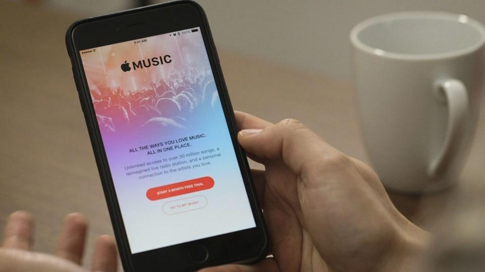 Uzun bir bekleyişin ardından Türkiye'de yayına başlayan Apple TV, iPhone, iPad, iPod Touch, Mac, PC, Apple TV ve Android işletim sistemine sahip cihazlarda kullanılabiliyor.