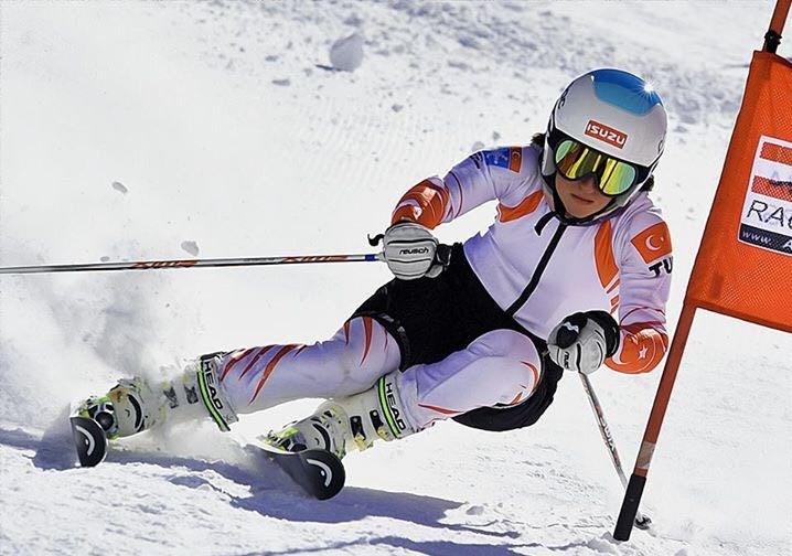 Alp Disiplini milli sporcusu Ayşe Durlu, 19