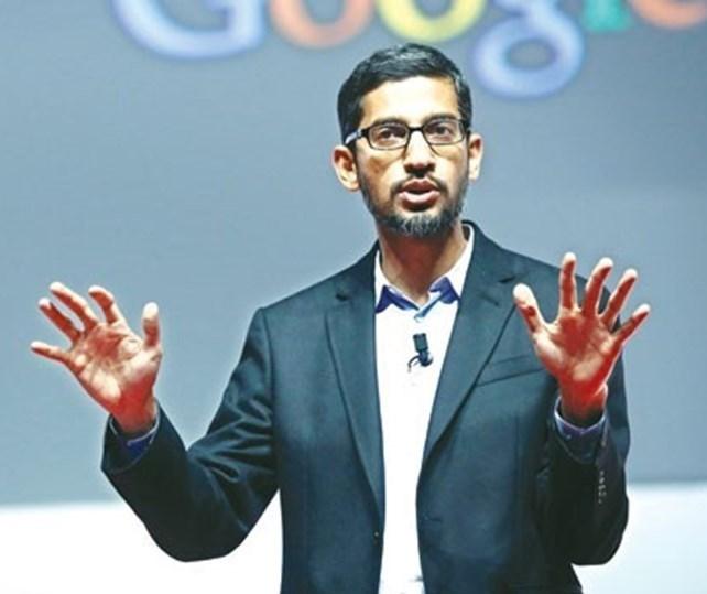 Google'ın CEO'su Sundar Pichai dün yaptığı açıklamada güvenlik için teknoloji şirketlerini telefon şifrelerini kırmaya zorlamanın kullanıcı gizliliğini ihlal edebileceği belirtmiş, Apple'ın kararına destek olmuştu.