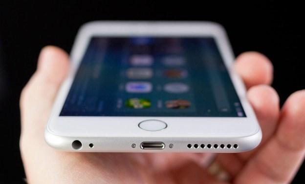 New York Times'ın geçtiğimiz haftalarda ortaya attığı başka bir iddiaya göre, FBI'nın San Bernardino terör saldırısının zanlılarından birine ait olan iPhone'un şifresini kırmaya yardım etme talebini reddeden Apple, hükümet tarafından kırılması imkansız iPhonelar üretmek için çalışmalara başladı.