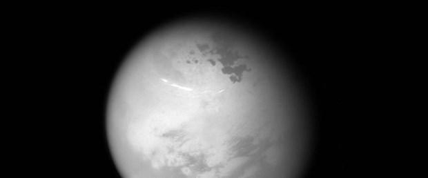 Cassini Satürn'ün uydusu Titan'ın 'kuzey yazını' görüntüledi