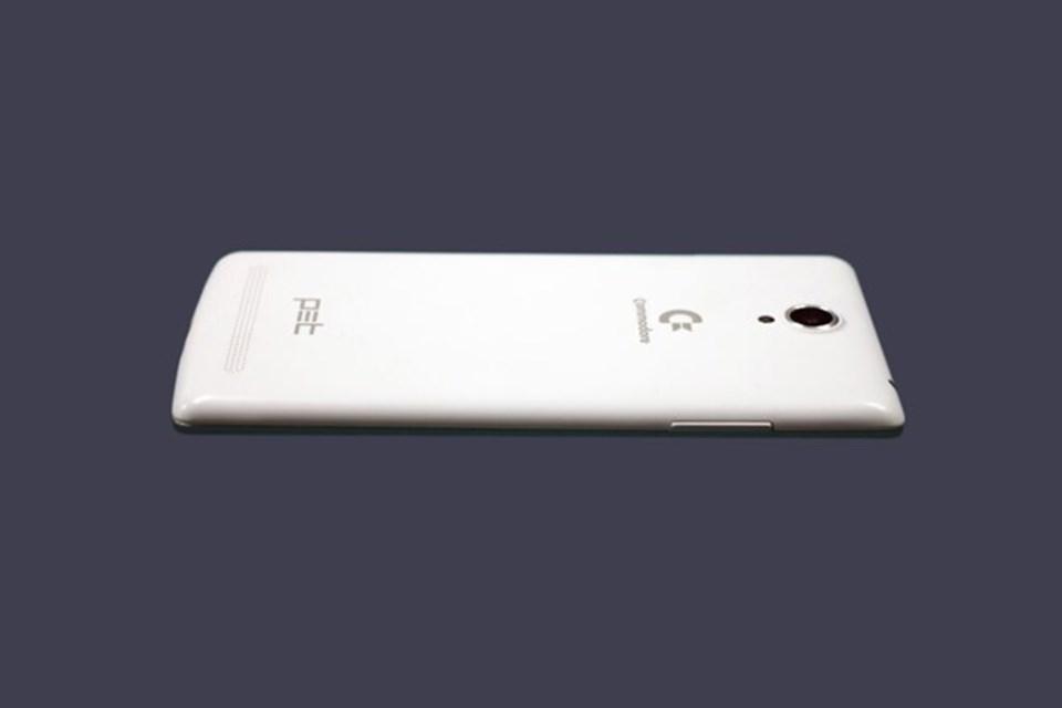 Kullanıcılarına Çift sim kart desteği de veren Commodore PET, 4G'yi de destekliyor.