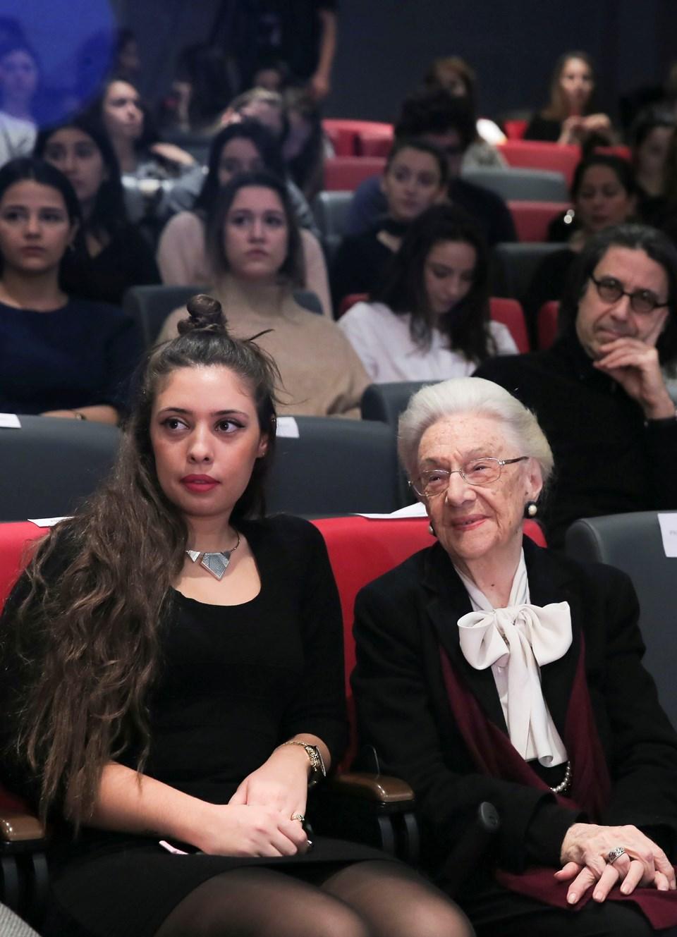 Türkiye'de iletişim sektörünün duayen ismi Betül Mardin (90) açılış konuşması sonrası etkinliği sonuna kadar izledi...