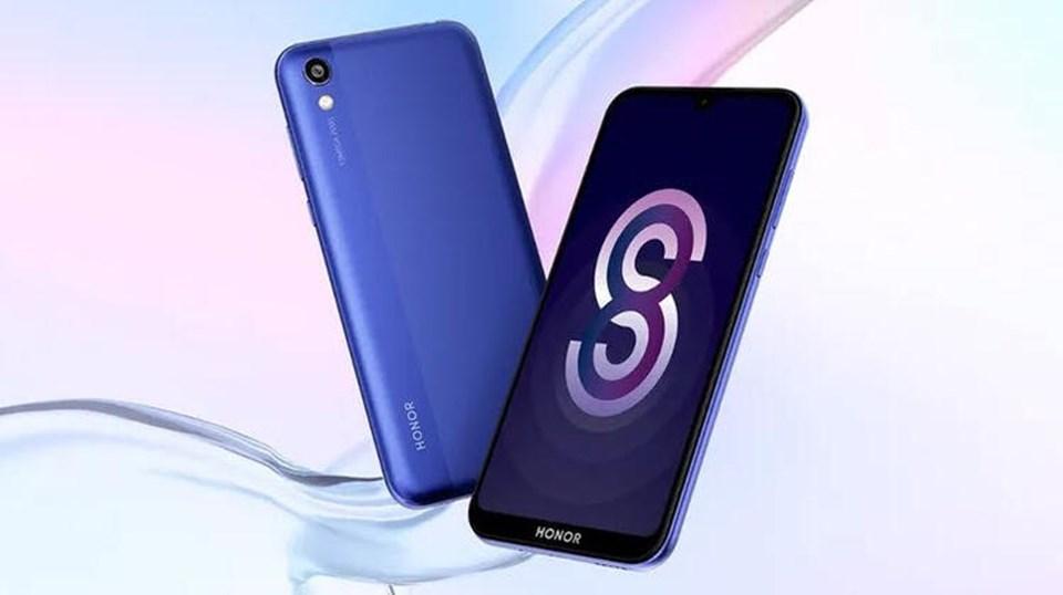 5,71 inç büyüklüğünde damla çentikli FullView ekranı, çift SIM kart desteği, yüz ile kilit açma teknolojisi ile gelen Honor 8S, Türkiye'de1399 TL'den ön siparişe açıldı.