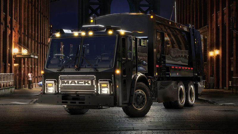 Elektrikli çöp kamyonu yollara çıkıyor