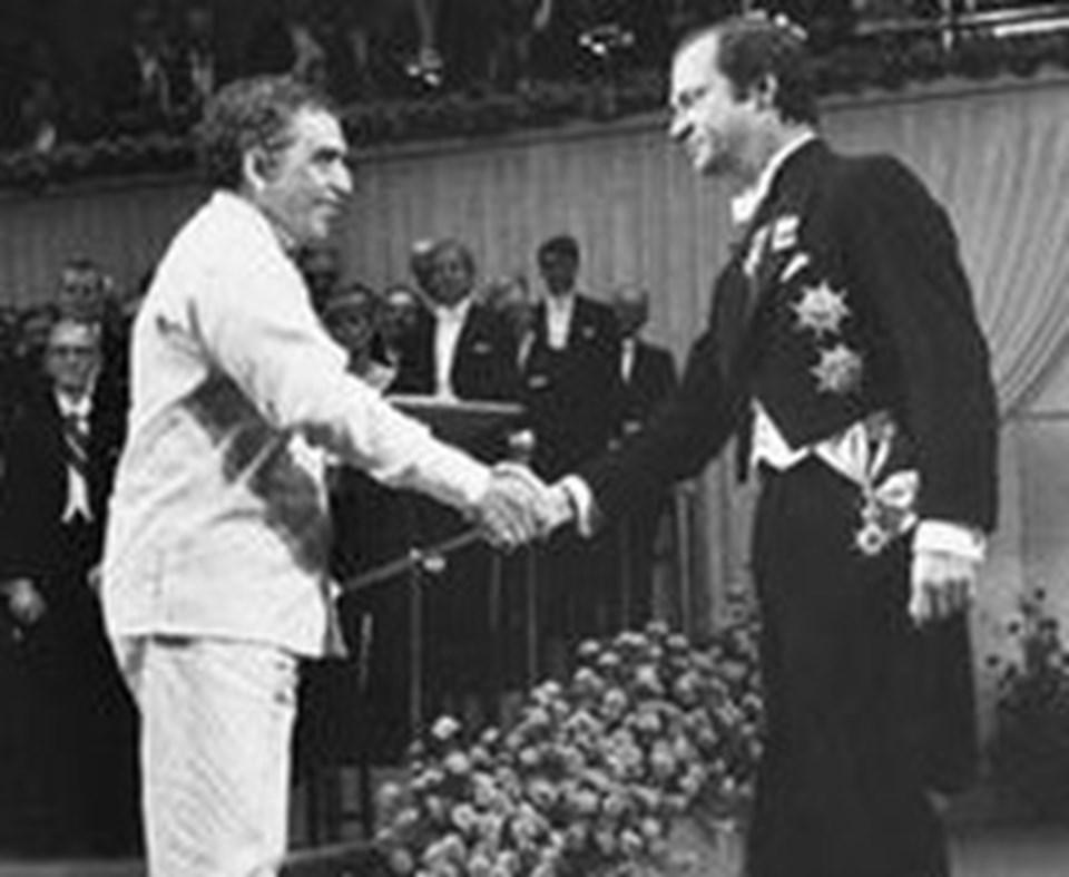 1982: Garcia Marquez Stockholm'deki Nobel ödülü töreninde