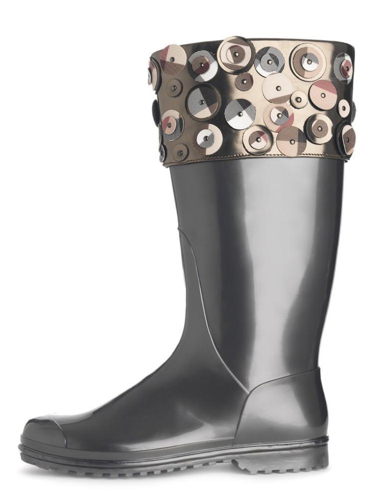 Lastik botları kim icat etti?