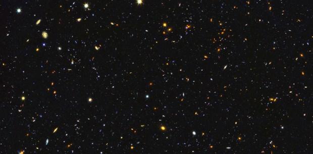 Hubble'ın galaksi panaroması