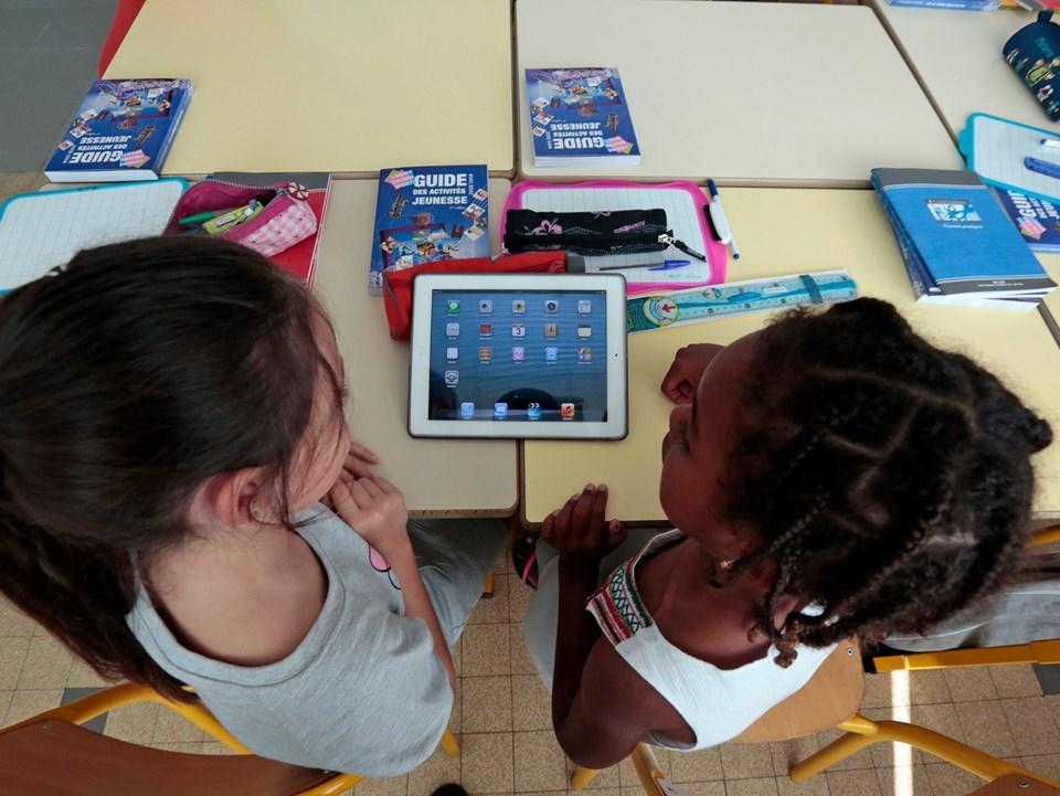 Uzmanlar internetteki oyunlarda yer alan gizli mesajların çoğu zaman yetişkinler tarafından görülemediğinin altını çiziyor.