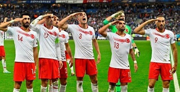 İstanbul Başakşehir Esports'tan asker selamı göndermesi