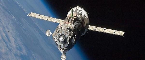 uzay-rusya-30-04-15.jpg