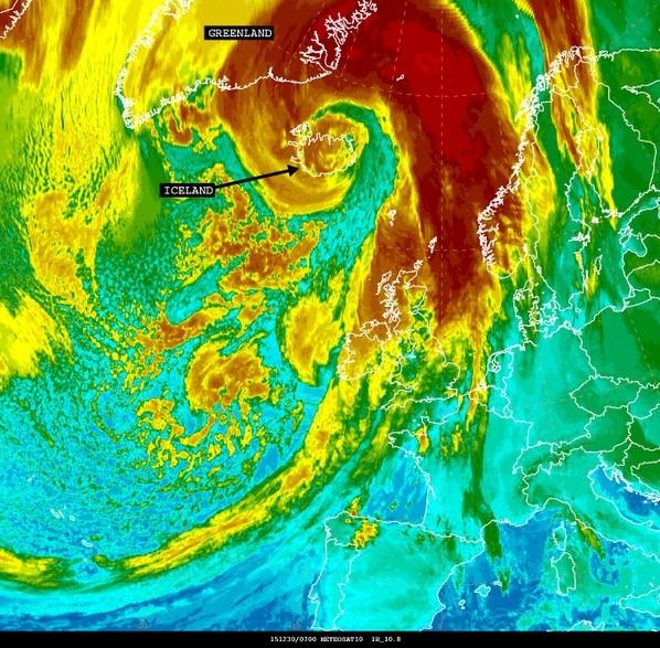 İzlanda'yı etkisi altına alan kasrıganın uydu görüntüsü